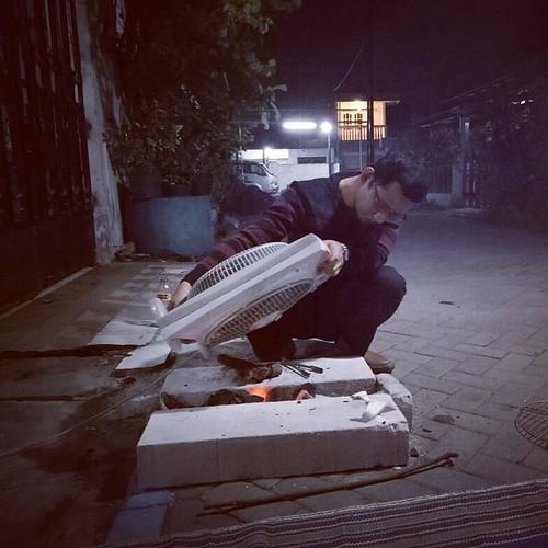Demi apa mesin kipas ini digoyang goyangkan. #happy #happynewyear #happynewyear2018 #friendship #friend #together #jansenlaura #indonesia #surabaya #pondokcandraindah