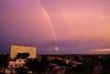 ARCOIRIS (Fernando Yaques Fotografia) Tags: rojo red city sun building rainbow edificio sunset fernando yaques arcoiris atardecer