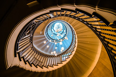 Staircase in an eye (London) (Ondablv) Tags: negozio lampadari scala staircase shoot droplets spiral research ideal photo composition beautiful abstract eye from geometria vortice chiocciola gradini ondablv overlaps snail