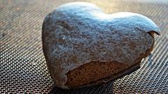 Gingerbread Heart (_bizonel) Tags: heart gingerbread macromonday myfavoritenovel myfavouritenovelfiction macro food heartshaped smileonsaturday