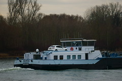 TMS GANDA (Lutz Blohm) Tags: tmsganda tankschiff rhein rheinschifffahrt binnenschifffahrt binnenschiffe gütermotorschiff fe70300goss fluskilometer402 sonyalpha7aii
