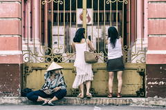 Ladies in front of Tan Dinh Church (S. Ken) Tags: ホーチミン hồchíminh ベトナム vn tan dinh church ladies hcmc vietnam sony a7riii a7r3 sel70200gm fe70200mmf28gm street fe 70200mm f28 gm e general ソニー