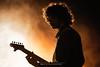 Portrait de concert (Nat_L2_photographies) Tags: portrait concert musique music rock guitare clairobscur orange lumière