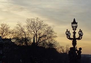 (*) Crépuscule sur le Pont Alexandre III