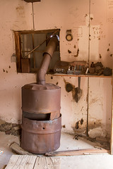 Pot Belly (W9JIM) Tags: california unitedstates w9jim deathvalley dvnp abandoned ubehebetalcmine stove potbellystove 7d2 24105l 24mm rusty explore stonepencilmine