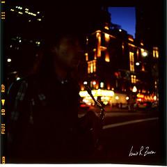 79 (louis.r.zurn) Tags: hasselblad500cm hasselblad 500cm 6x6 120 film 120film newyorkcity zeissdistagon zeiss50mmc zeiss50mmdistagon filmphotography streetphotography nycphotography newyorkcityfilmphotography fujifilm fujiprovia400x provia provia400x slidefilm colorpositivefilm