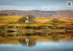 Loch Dunvegan (Isle of Skye - Highlands - Scotland) ( Jean-Yves JUGUET ) Tags: skye loch lochdunvegan scotland ecosse isleofskye highland highlands réflexion reflection water eau blue landscape paysage automne autumn
