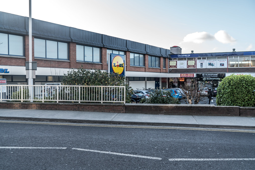 THE ORIGINAL DUNDRUM SHOPPING CENTRE BECAME A GHOST MALL FOR A WHILE [NOW REBRANDED AS DUNDRUM VILLAGE CENTRE]-135262