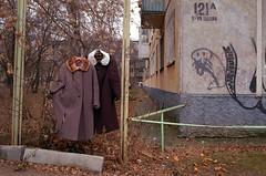 (Anton Novoselov) Tags: color minox gte russia city ekaterinburg гаражи ебеня осень листья пленка people no одежда на заборе пальто film fujifilm superia 200