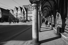 Bremen Rathaus (Townhall) (St/W) Tags: leicaq summilux1728 natecamxchromevivianmaier bremen marktplatz freiehansestadtbremen leica summilux 28 28mm