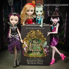 The Legend of Shadow High. The crossover that we only kinda got. #applewhite #ravenqueen #draculaura #frankiestein #everafterhigh #monsterhigh (GrayskullWarriorToys) Tags: applewhite ravenqueen draculaura frankiestein everafterhigh monsterhigh