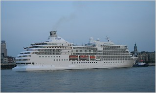 Cruise Ship Seven Seas Navigator ...  Regent Cruises.    Turning.