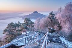 Ein frostiger Wintermorgen (Philipp Zieger - www.philippzieger-photographie.de) Tags: winter frost snow schnee sächsischeschweiz saxonswitzerland elbsandsteingebirge landschaft landscape sony sächsische schweiz saxon switzerland zirkelstein kaiserkrone a6500