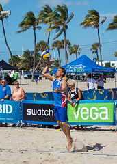 Match 59: Round of 16: USA vs. Canada (cmfgu) Tags: craigfildesfineartamericacom fédérationinternationaledevolleyball internationalfederationofvolleyball fivb swatchfivbbeachvolleyballmajorseries worldtour fortlauderdale ftlauderdale browardcounty florida fl usa unitedstatesofamerica beach volleyball tournament professional sun sand tan athlete athletics ball net court set match game sports outdoors ocean palmtrees men can canada taylorcrabb