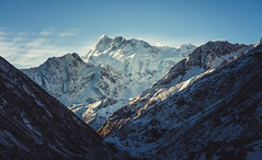 Manaslu in gold (Eaglewood Photography) Tags: manaslu nepal himalayas samagaun westerndevelopmentregion np