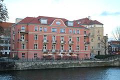 Simon Palais (Helgoland01) Tags: berlin fluss river spree palais hospital