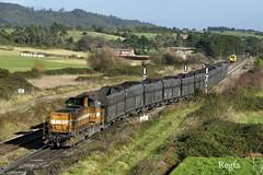 El Valle (REGFA251013) Tags: tren matisa comsa comboio train mercancias cook arcelor mak vossloh g1700