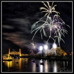 Fireworks_9037 (bjarne.winkler) Tags: 2017 new year firework over sacramento river with tower bridge ziggurat building background