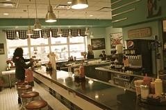 Elsie's Diner (pecooper98362) Tags: binghamton newyork greaterbinghamtontransportationcenter binghamtonbusstation binghamtongreyhoundbusterminal busstation winter morning restaurant diner elsiesdiner classicdecor
