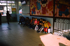 美森堡幼稚園 (moseskim27) Tags: taiwan zhubei 竹北 f35 kodakgoldiso100 child canonef2880mmf3556 negatives canoneos500n
