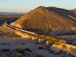 BNSF 7818 East at Haviland, AZ