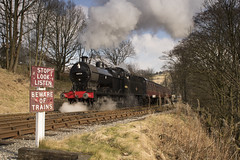 43924 Oxenhope KWVR 25/02/2018 (TomNoble7) Tags: kwvr keighley oxenhope mr 4f 43924 worth valley railway crossing steam winter train