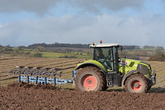 Claas Axion 810 Tractor with a Lemken 5 Furrow Plough (Shane Casey CK25) Tags: claas axion 810 tractor lemken 5 furrow plough green midleton traktori traktor trekker tracteur trator ciągnik ploughing turn sod turnsod turningsod turning sow sowing set setting tillage till tilling plant planting crop crops cereal cereals county cork ireland irish farm farmer farming agri agriculture contractor field ground soil dirt earth dust work working horse power horsepower hp pull pulling machine machinery nikon d7200