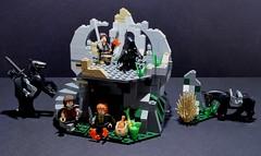 LEGO 9472 Attack on Weathertop🍏 (Alex THELEGOFAN) Tags: lego legography minifigure minifigures minifig minifigurine minifigs minifigurines lord of the ring ringwraith frodo baggins merry aragorn mountain cave black vegetation set weathertop attack on 9472