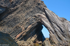 Praia do Telheiro (Algarve - Portugal) (correia.nuno1) Tags: dobras paleozóico alentejo xistos geologia paleozoico tectónicadeplacas estratigrafia rochasmetamórficas praiadotelheiro petrografia carbonífero costavicentina triássico mesozoico portugal