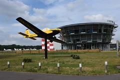 """HB-SAP"" (=PH-SPC) Grob G.115A Breitling @ Seppe Breda Airport 03-Jun-2017 by Johan Hetebrij (Balloony Dutchman) Tags: hbsap phspc grob g115 115 g115a breitling 2017 seppe breda airport aircraft wreck gateguard"