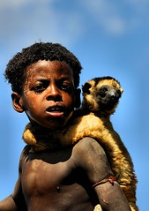 Friends (andrelandrover) Tags: africa arte animali book bambini baby ballo costumi culture colori corna decorazioni deserti defender dancalia explorer exploring etiopia expedition reportage people persone feste geographicexpeditionit festival kenia vecchio face flickr facce fotografare foreste fiori fame giovani google guerra incontri image lavoro market mamma madagascar nikon national nudo ornamenti omo offroad portrait painting portraits parchi ritratti roads ragazze raid strade scarificazioni scuola traditionnal tribali trekking