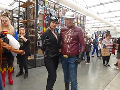 The Cat and the Flash (Sconderson Cosplay) Tags: oz comic con 2016 flash cosplay jay garrick catwoman