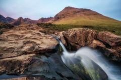 - glowing cuillins - (verbildert) Tags: scotland landscape sunset mountain waterfall cuillins isle skye fairypools