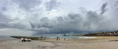 """Playa y bruma"" (atempviatja) Tags: barcelona paseomarítimo paisaje paseo tormenta bruma playa nubes cielo mar luz"