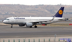 D-AIUE LEMD 10-01-2018 (Burmarrad (Mark) Camenzuli Thank you for the 10.3) Tags: airline lufthansa aircraft airbus a320214 registration daiue cn 6092 lemd 10012018
