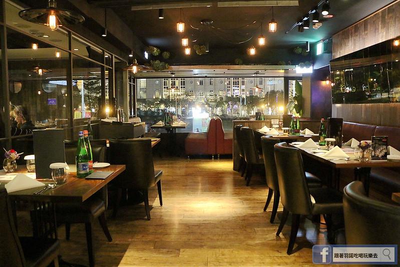 艾朋牛排餐酒館17