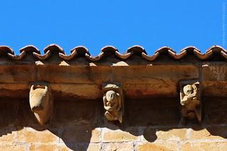 Canecillos · Iglesia de San Facundo y San Primitivo, Silió, Cantabria