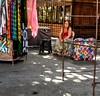 sem expectativas (luyunes) Tags: streetscene streetphotography streetshot streetphoto street mercadoambulante rua mulher vendedoresderua cenaderua camelôs esperança expectativa luciayunes motozplay