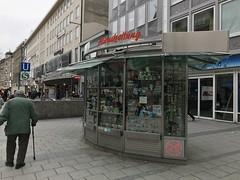 """Der Kiosk. Ein Kiosk ist ein kleiner Laden. Hier kann man meistens Zeitungen, Zigaretten und Süßigkeiten oder Getränke kaufen. • <a style=""""font-size:0.8em;"""" href=""""http://www.flickr.com/photos/42554185@N00/40251482441/"""" target=""""_blank"""">View on Flickr</a>"""