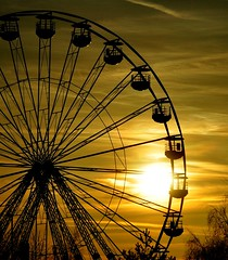 Blackpool comes to Oldham (Maria .... on here to learn and be inspired.) Tags: pinwheel fun family sunset ferriswheel outdoors urban sculptures sculpture outline funfair
