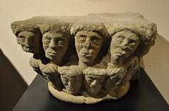 Astorga (León). Museo de los Caminos. Capitel románico procedente de San Juan de Montealegre en León (santi abella) Tags: astorga león castillayleón españa museodeloscaminos románico palacioepiscopaldeastorga