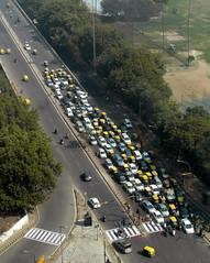 delhi diagonal morning (kexi) Tags: delhi india diagonal vertical traffic morning february 2017 samsung wb690 instantfave