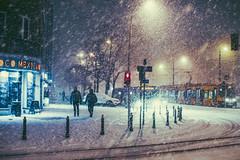 Tacos (ewitsoe) Tags: winter snow canon ewitsoe street urban city cityscape pedestrian people walking warsaw warszawa poland polska capital canoneos6dii 50mm lseries day night afternoon sidewalk wander life live