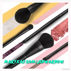 My makeup world just got rocked. NEW #MaryKay Essential Brush Collection is my makeup's new best friend. Feather-soft. Pro-tested and approved. So easy to use. Seriously, wake me up. (jenstalder) Tags: ifttt instagram tony horton beachbody shaun t fitness p90x insanity health fun love