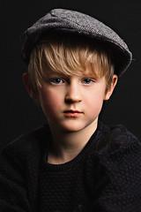 luca portret (kim groenendal) Tags: fineart portret portrait fuji studio boy jongen kinderfotograaf kinderfotografie childphotography pet cap eyes closeup color flash kimgroenendal fotostudiokim4kids portretfotograaf