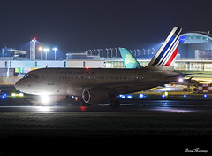 Air France A318-100 F-GUGP (birrlad) Tags: dublin dub international airport ireland aircraft aviation airplane airplanes airline airliner airlines airways taxi taxiway takeoff departing departure runway airfrance airbus a318 a318100 a318111 fgugp night photography dark af1017 paris cdg
