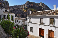 Zuheros (Jocelyn777) Tags: architecture houses street villages towns whitevillages pueblosblancos zuheros andalucia spain travel