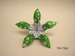 La Feliz (Yara Yagi) Tags: origami paper papel modular flor flower