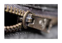 Zipper the zip # Fasteners# (Willy 1943) Tags: fasteners mm