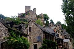 Belcastel / Aveyron (24) / França / France / Francia (Ull màgic (+1.250.000 views)) Tags: belcastel aveyron frança france francia nucliantic castillo castle edifici arquitectura façanes teulades fuji xt1